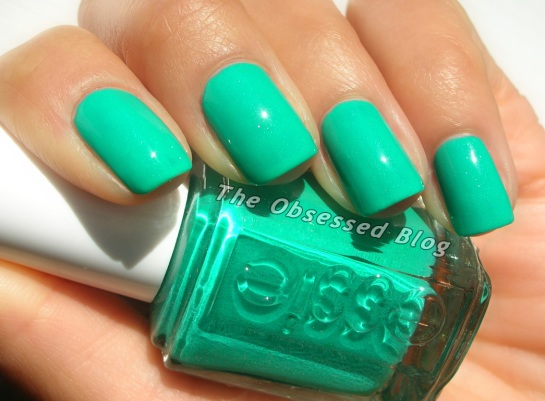 Essie_NaughtyNautical_s