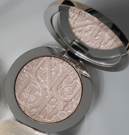 Diorskin Nude Air Glowing Pink